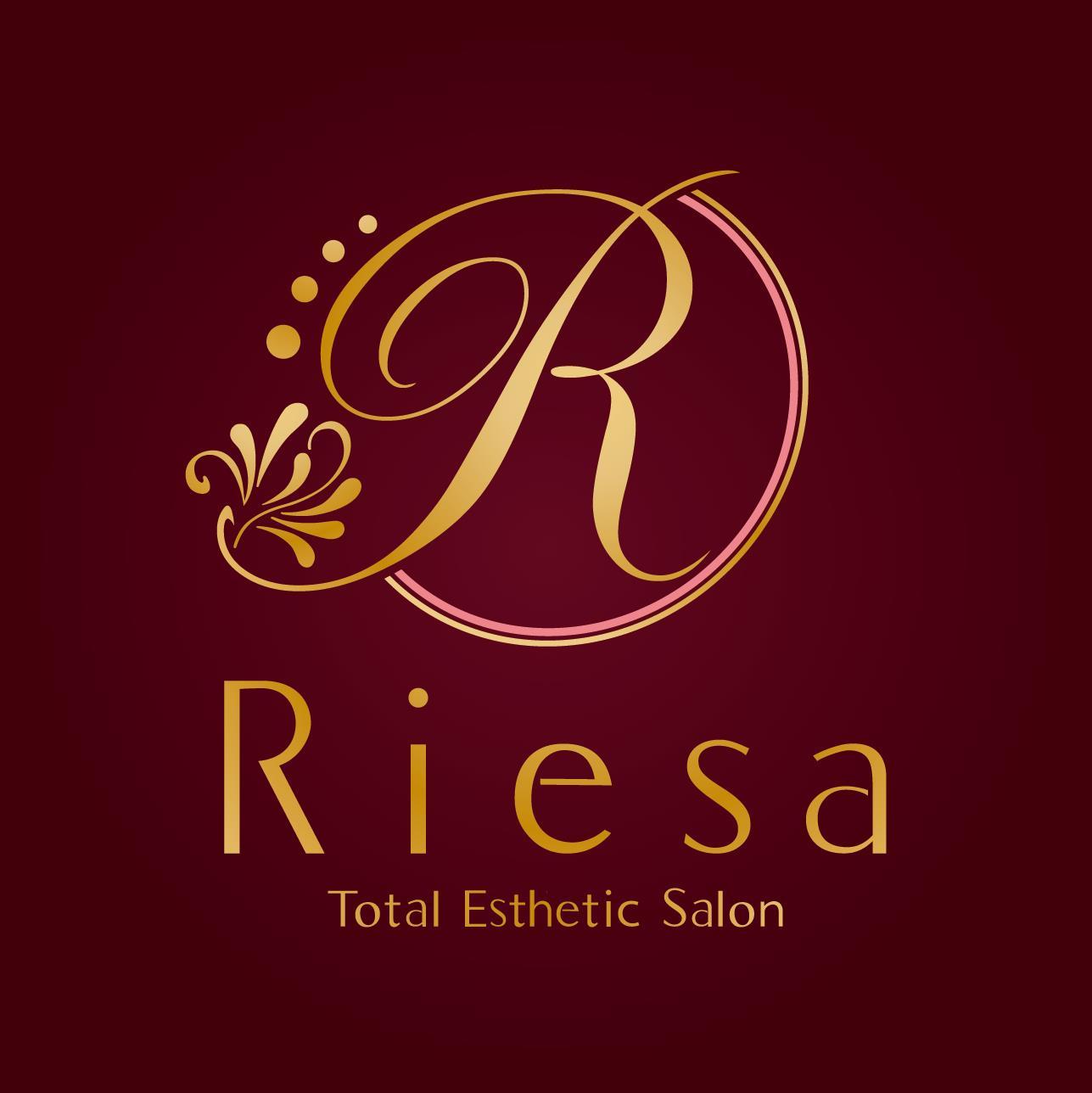 Riesa様ロゴ